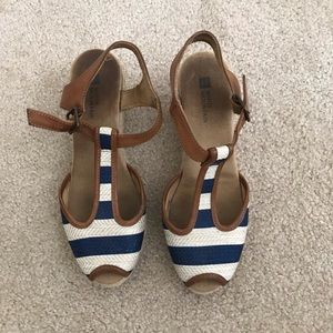 White Mountain Navy Striped Open Toe Wedges (7)